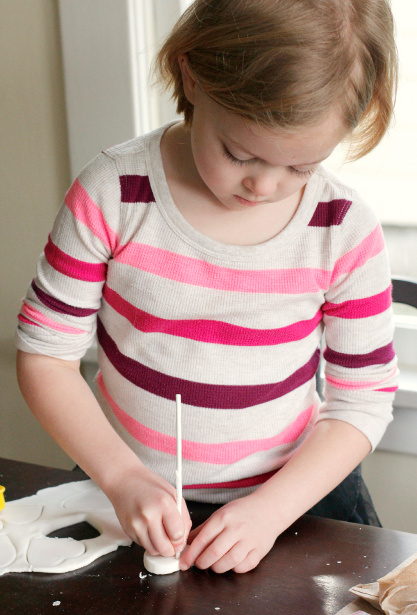 Play with Homemade Play Dough Using Only 3 Ingredients