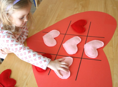 Playing a Heart Tic Tac Toe Game @makeandtakes.com