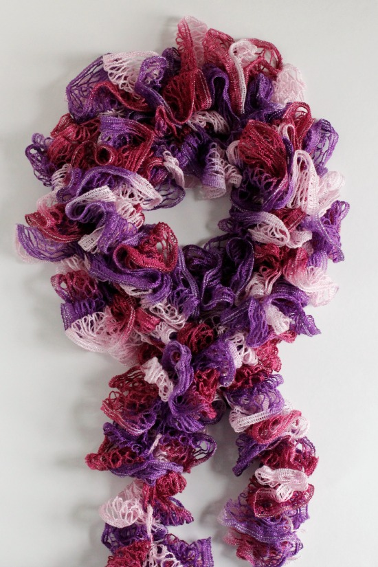 Crochet A Day Crochet Ruffles Scarf Pattern Make And Takes