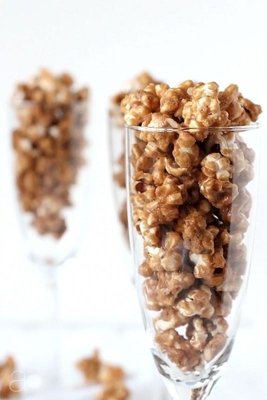 Salted Caramel Cashew Popcorn