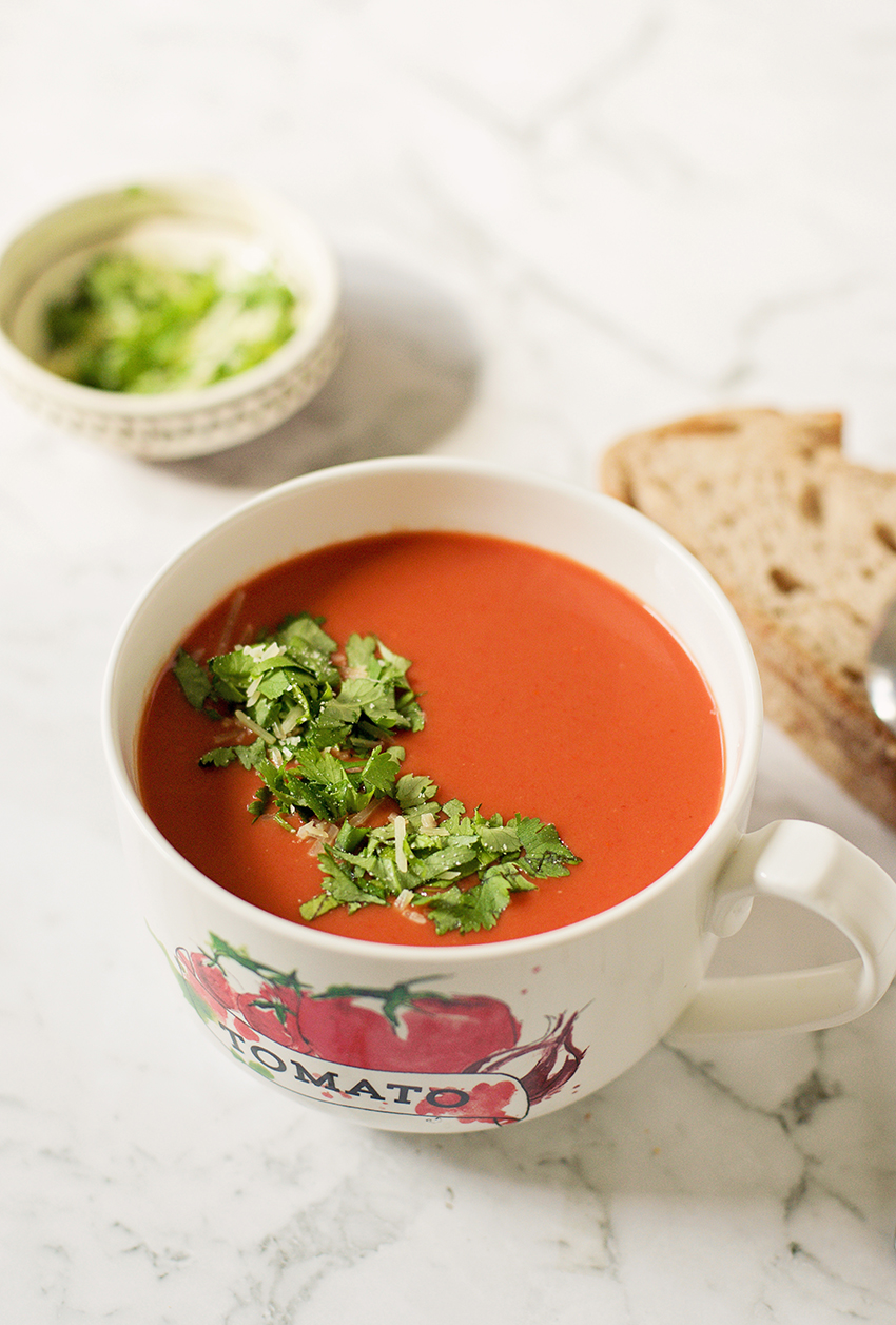 Easy and Delicious Creamy Tomato Soup