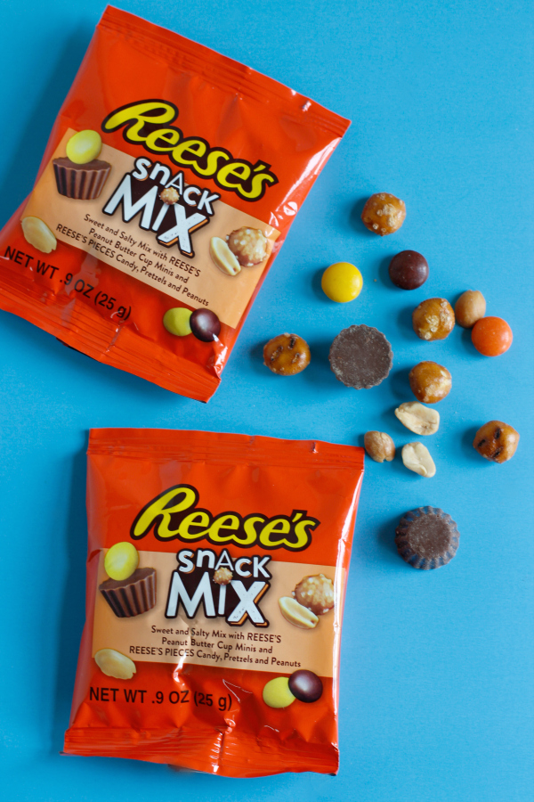 Snack Time with REESE'S Snack Mix
