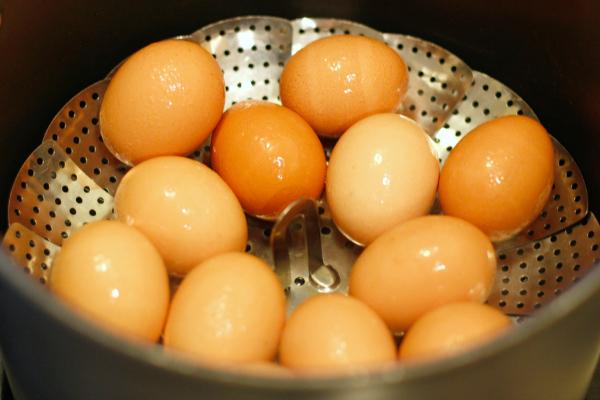 Steaming Hard Boiled Eggs for Egg Salad