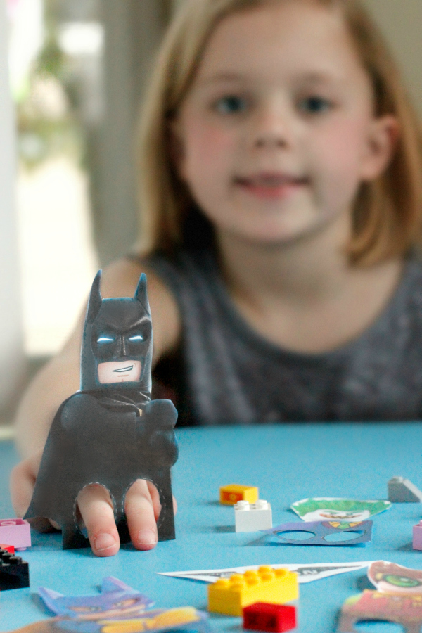 http://www.makeandtakes.com/wp-content/uploads/The-LEGO-Batman-Printable-Finger-Puppets.jpg