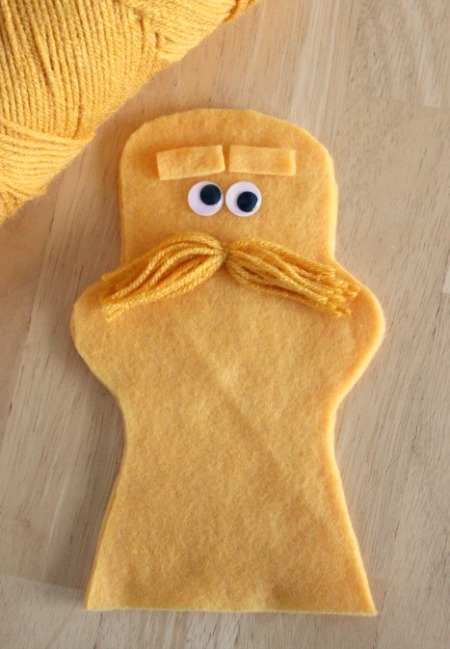 The-Lorax-Hand-Puppet-with-Yarn