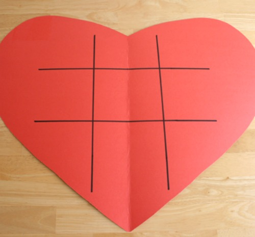 Tic Tac Heart Poster for Kid's Games @makeandtakes.com