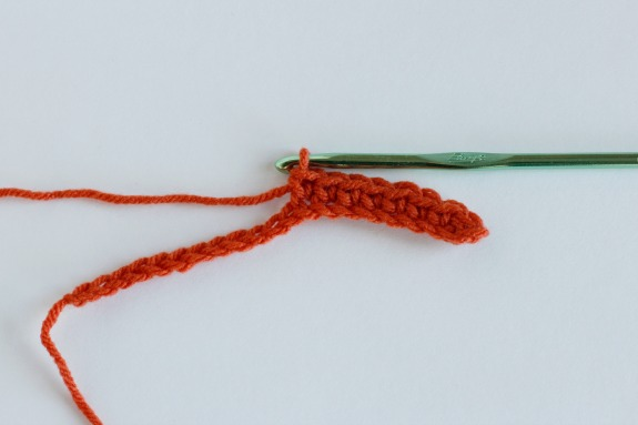 Turning Your Crochet Piece @makeandtakes.com