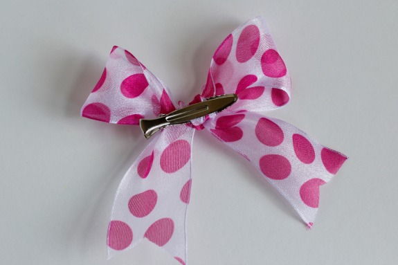 Tying a Hair Bow with a Clip