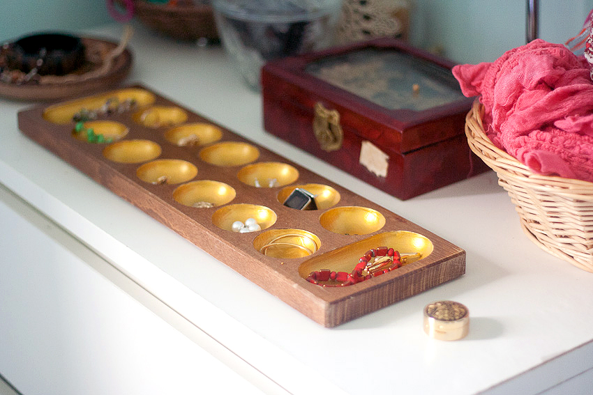 Upcycle A Trinket Tray With Gold Paint Make And Takes