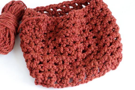 V Stitch 8 Row Chunky 1 Skein Crochet Cowl