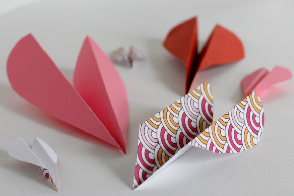 Valentine Heart Airplanes for Kids @makeandtakes.com