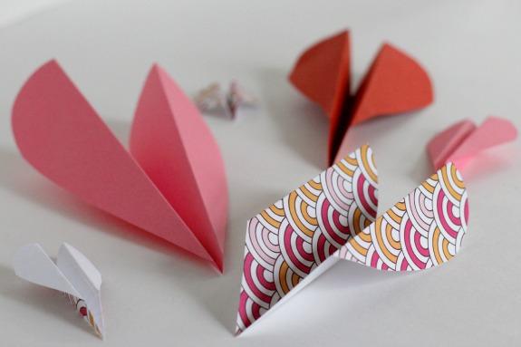 Valentine Heart Airplanes for Kids @makeandtakes.com
