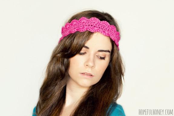 Wear a Crochet Scalloped Headband by hopefulhoney.com for @makeandtakes.com