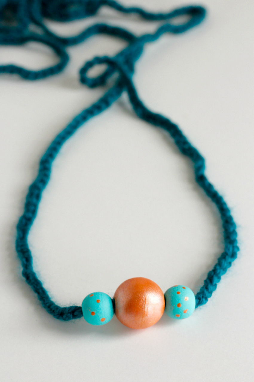 Wood Beaded Crochet Chain Stitch Necklace