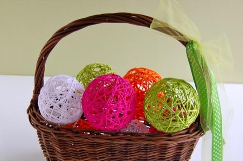 Craft the Classic Decoration for a Glue Yarn Ball
