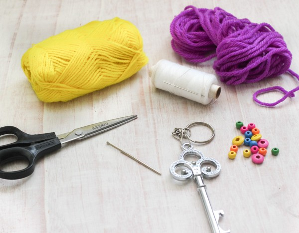 yarn-tassell-keychain-supplies