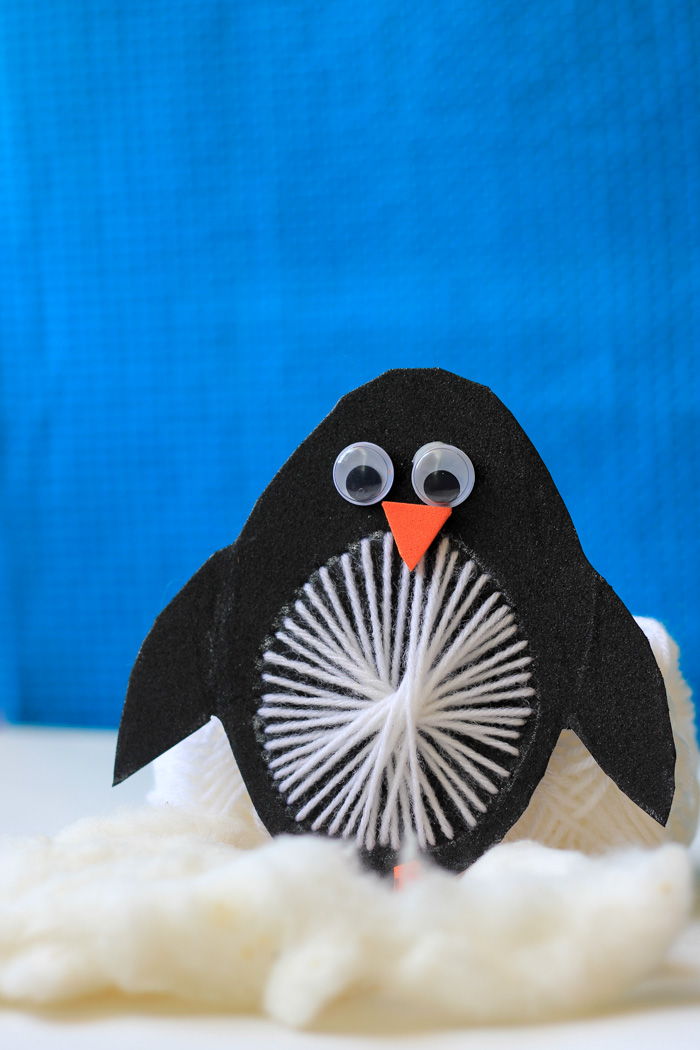 Yarn-Weaving-penguin-craft-finished