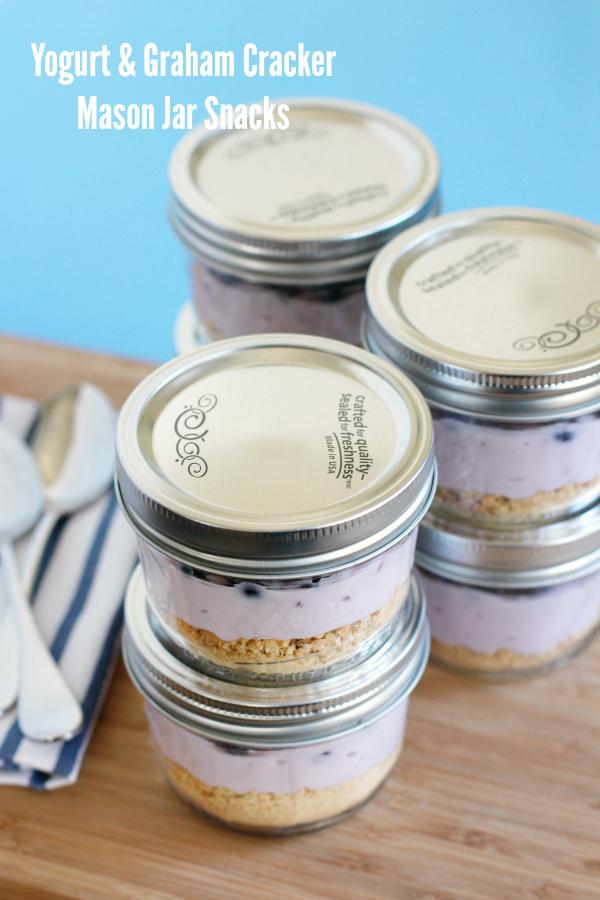yogurt-and-graham-cracker-mason-jar-snacks