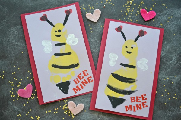 bee-footprint-cards-3