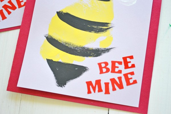 bee-footprint-cards-5