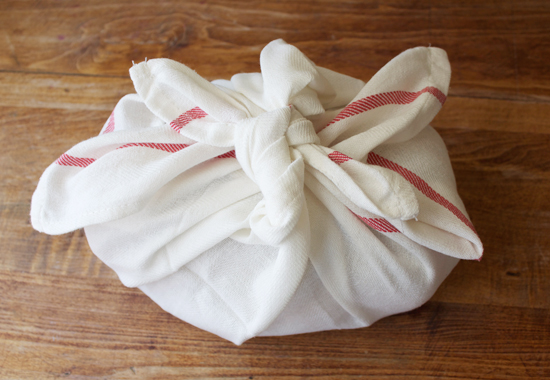 Easy Dish Towel Wrapped Housewarming Gift Final Result