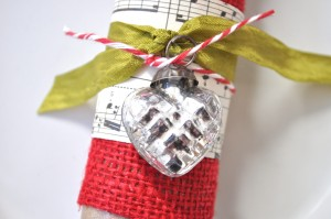 burlap easy napkin ring idea