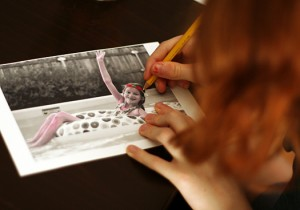 Coloring Black and White Photos with pencils
