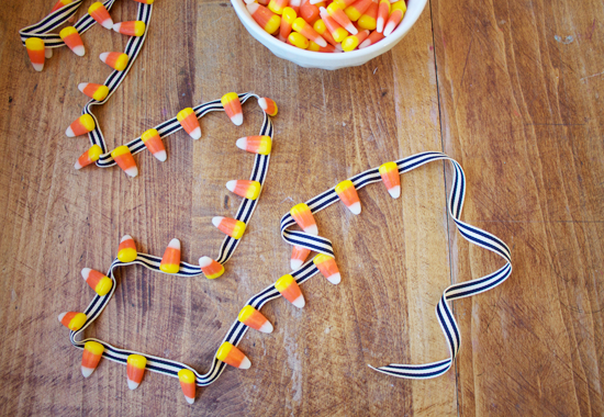 candy garland5 Weekend Crafting: 3 Simple Candy Corn Projects
