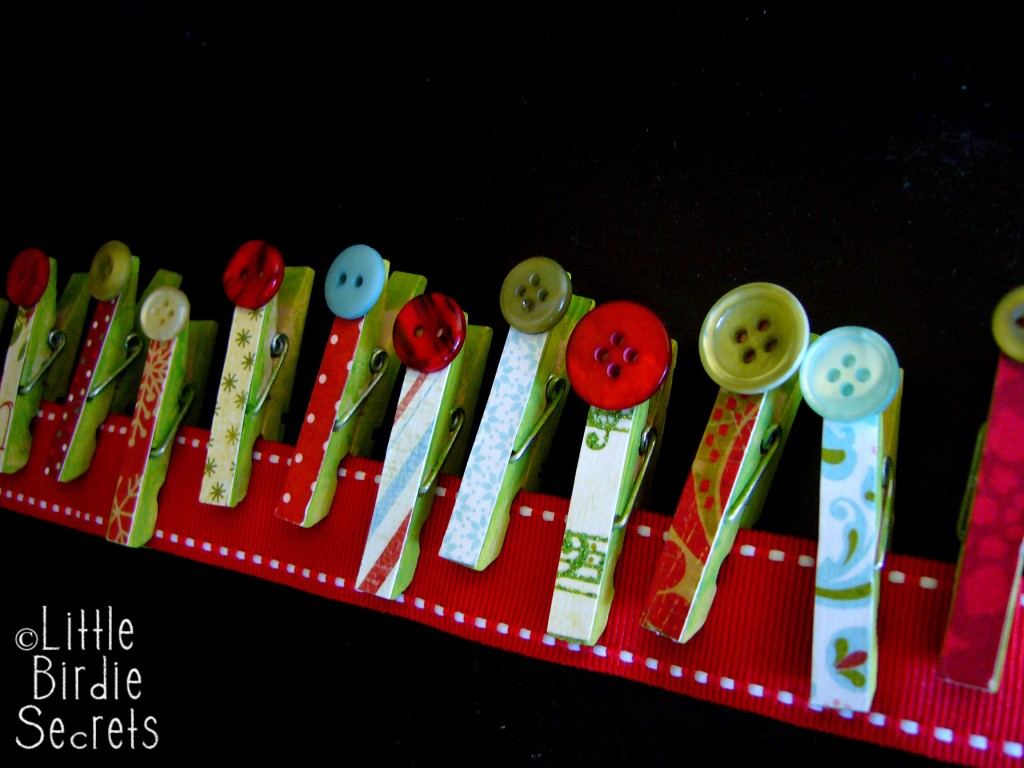 Christmas Card Garland Tutorial buttons
