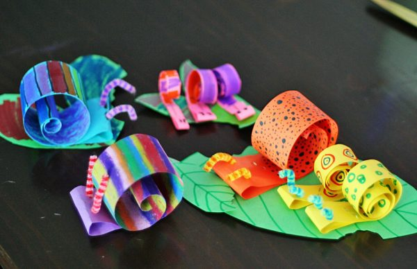 Crafting coiled paper snails