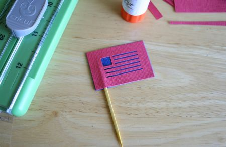 cricut-flag-glued