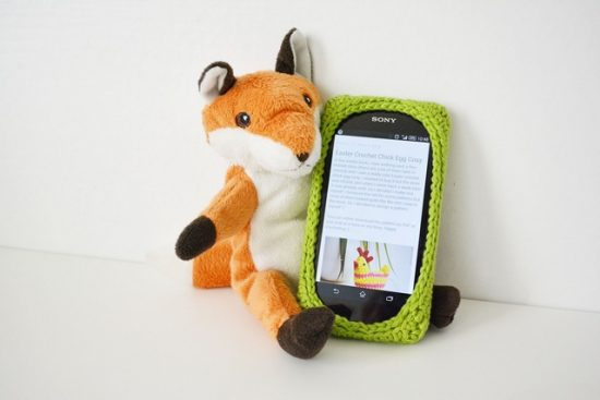 crochet-phone-cover-free-pattern-idea-ivana-front