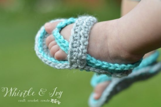 crochetbabyflipflops7WM-600x399