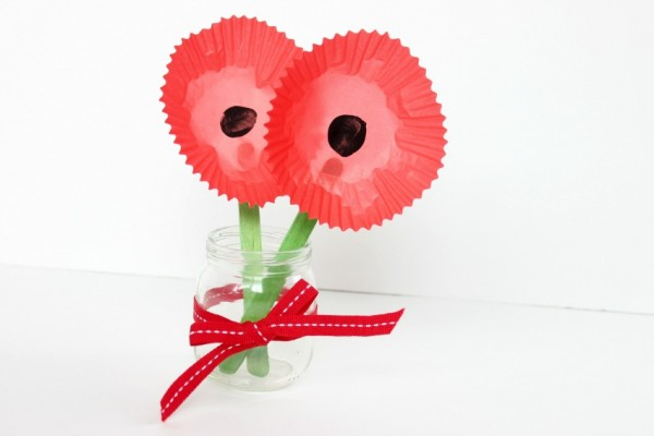 cupcake liner poppy craft for Veterans Day