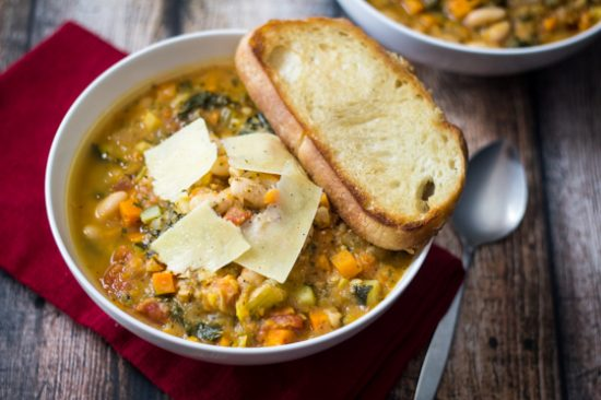 easy-tuscan-soup-white-beans-recipe-2