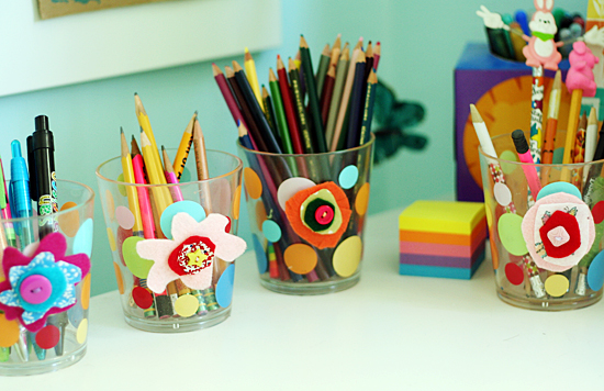 Decorating pencil cups with felt flowers