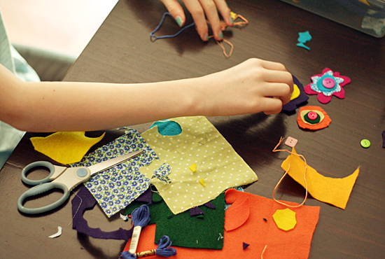 Crafting felt and fabric flowers