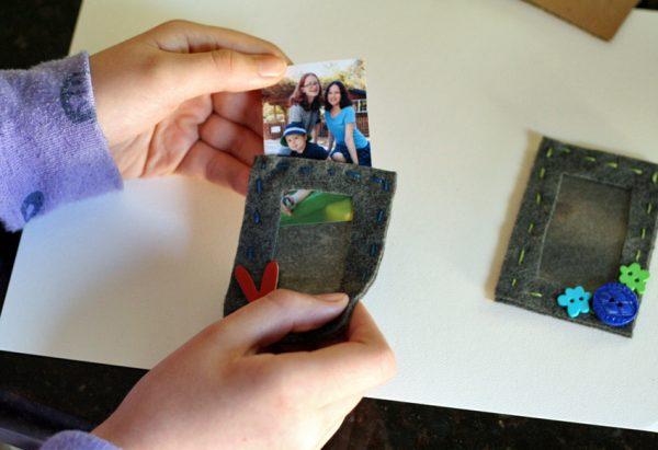 Photo pocket felt frame