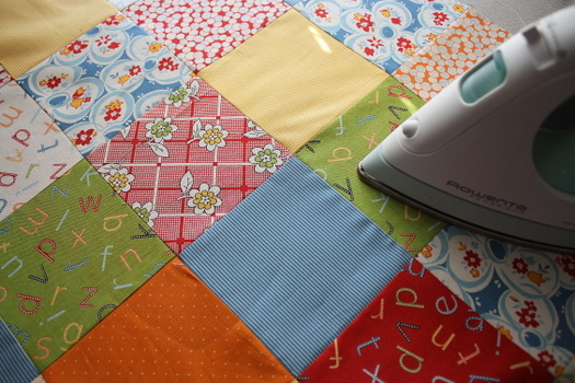 Piecing a Quilt 101 and adding a Zinger Fabric - Diary of a ... : beginner quilt tutorial - Adamdwight.com