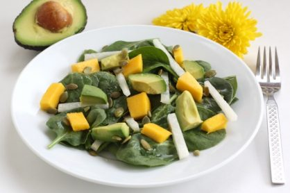 spinach-salad-with-avocado-mango-and-jicama