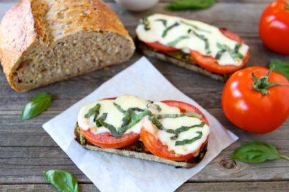 caprese-sandwich