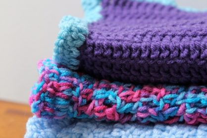 Crochet Baby Blanket by lisettewoltermckinley.com for @makeandtakes.com