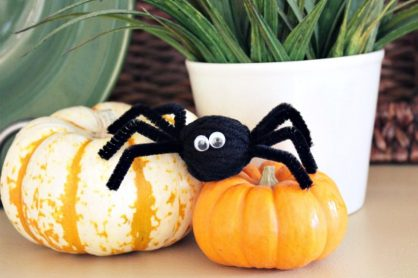 Pipe Cleaner Spider Pom Pom
