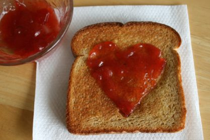 Heart-Shaped-Toast