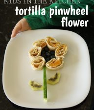 Tortilla pinwheel flower - easy for kids to make!