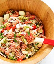 Easy-Italian-Pasta-Salad-with-Italian-Dressing4