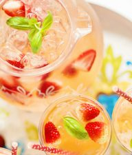 Strawberry and Peach Sangria Recipe for Summer