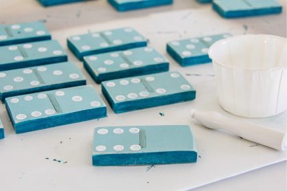 how to put perfect dots on dominoes with paint