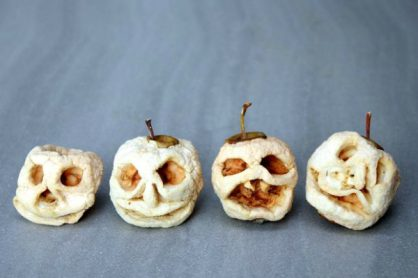 Shrunken Apple Heads for Halloween