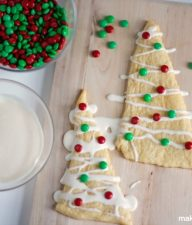 Christmas-Crescent-Roll-Tree-Treats-@makeandtakes.com_1